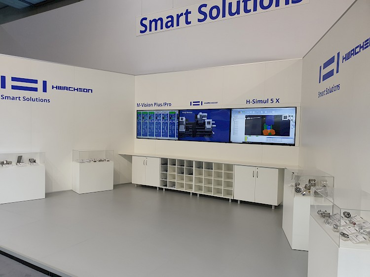 HWACHEON, Messe, Messedesign, Messemanagement, Banner, blau, Maschinen, Maschine, EMO, Hannover, Smart